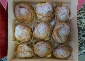 Choux buns filled with crème mousseline