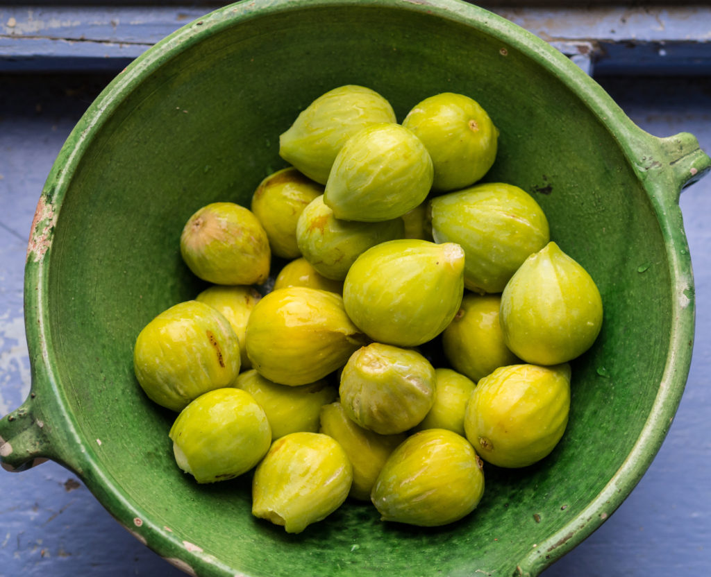 A bowl of figs